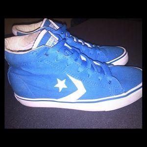 Size 6.5 Converse